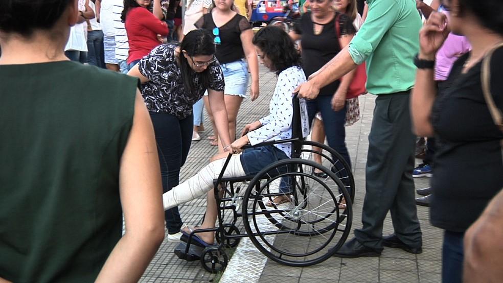 Sobrevivente de colisão lamenta perda da colega: 'se foram todos os sonhos' (Foto: TV Verdes Mares/Reprodução)