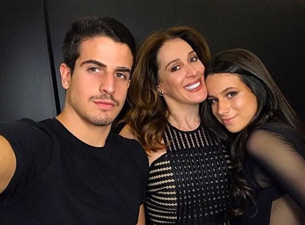Enzo Celulari, Claudia Raia e Sophia Raia (Foto: Reprodução/Instagram)