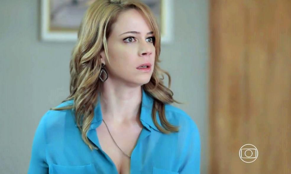 Cristina (Leandra Leal) é chamada para importante conversa na casa de José Alfredo (Alexandre Nero) - 'Império' — Foto: Globo