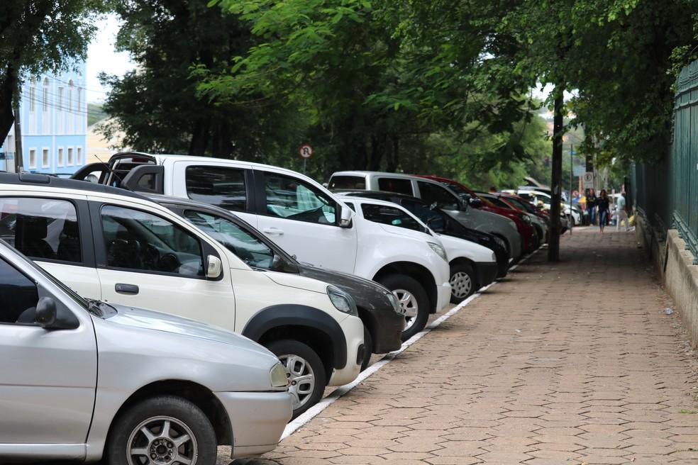 Projeto prevê operacionalização de estacionamento no Centro. — Foto: Maria Romero/G1