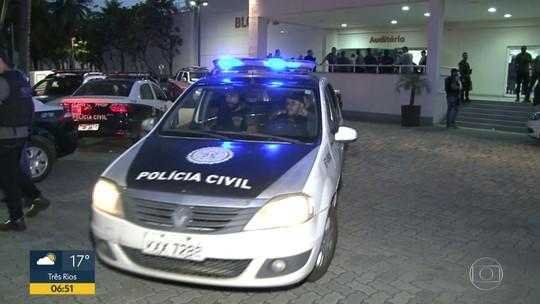 Polícia Civil faz megaoperação para prender 71 no Complexo do Salgueiro, no RJ