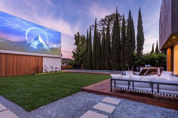Kesha compra mansão de R$ 25 milhões com alto-falantes nos quartos (Foto: Divulgação)