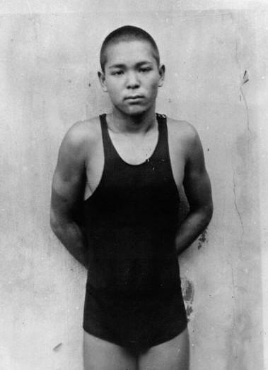O jovem nadador japonês Kusuo Kitamura em 1932 em Los Angeles (Foto: Agence Rol/Wikimedia Commons)