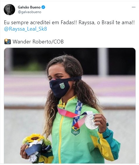 Galvão Brueno parabeniza Rayssa Leal (Foto: Reprodução)