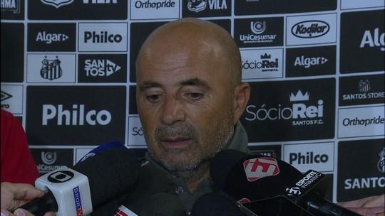 """Sampaoli vê início de ano além do esperado no Santos e diz: """"Jogadores estão entusiasmados"""""""