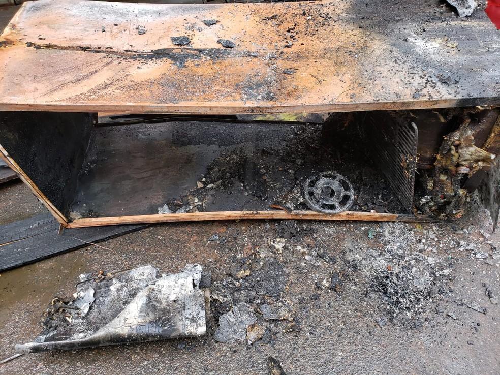 Caso aconteceu na manhã desta quarta-feira (19) — Foto: Sandro Abade/TV Bahia