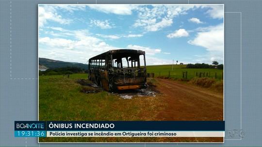Polícia investiga se incêndio a ônibus foi criminoso em Ortigueira