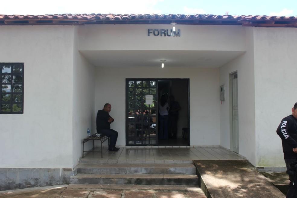 Julgamento de Adão José Sousa acontece no Fórum de Castelo do Piauí (Foto: Lucas Marreiros/G1)