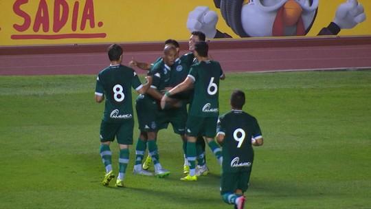 """Cartola FC: perto do rebaixamento, Goiás tem o maior número de """"mitos"""""""