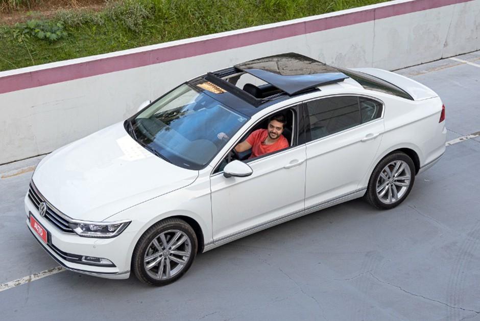 Volkswagen Passat Highline aposta em tecnologia para encarar rivais alemães (Foto: Marcos Camargo/Autoesporte)