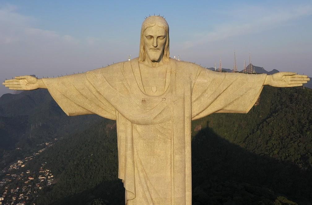 'Coroa de espinhos' na cabeça do Cristo é um para-raio; sistema se espalha pelos braços — Foto: g1