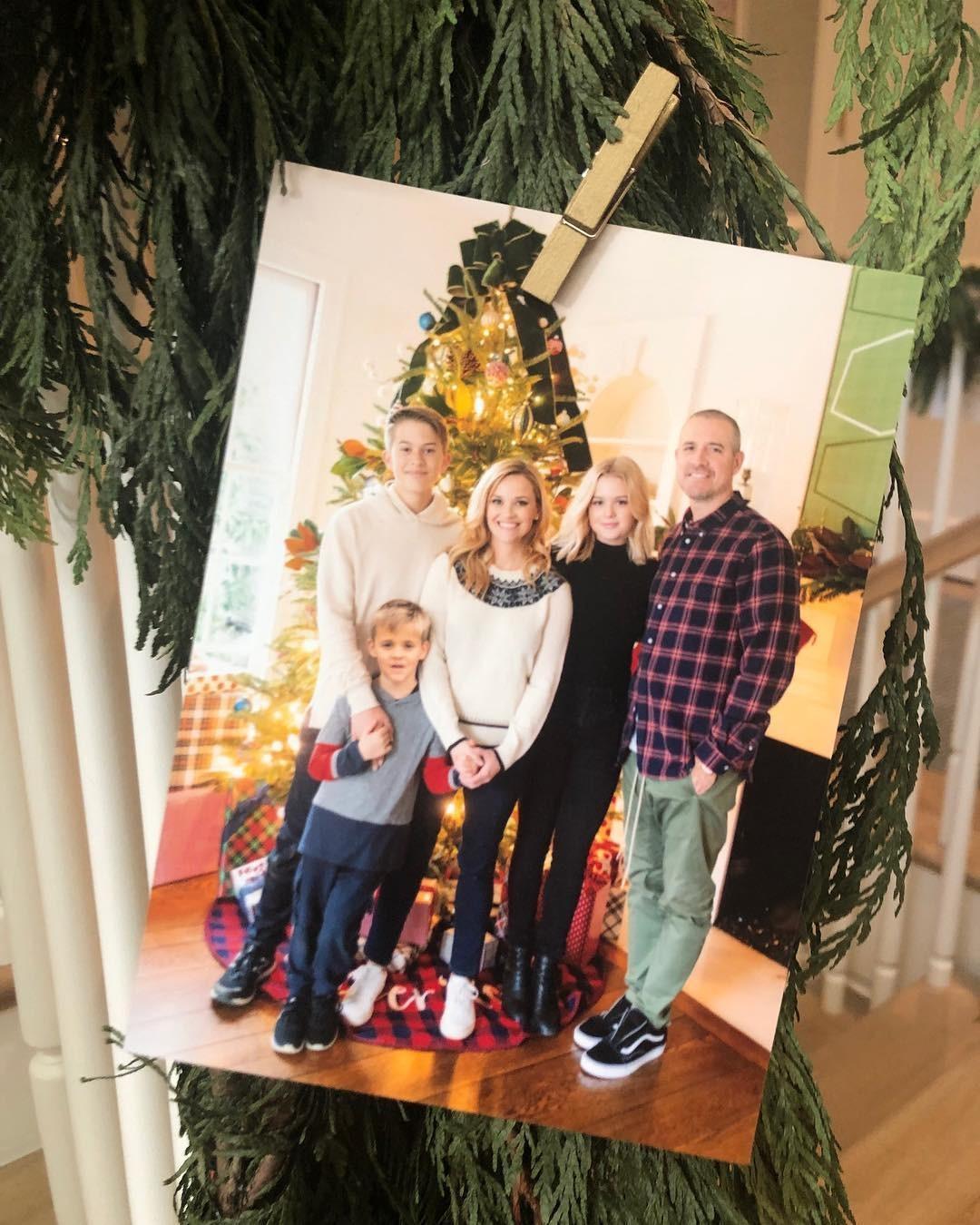 Reese Witherspoon fez clique fofo com a família (Foto: Reprodução/Instagram)