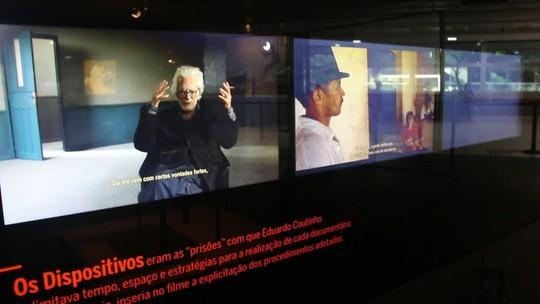 Exposição em São Paulo reúne vida e obra de Eduardo Coutinho