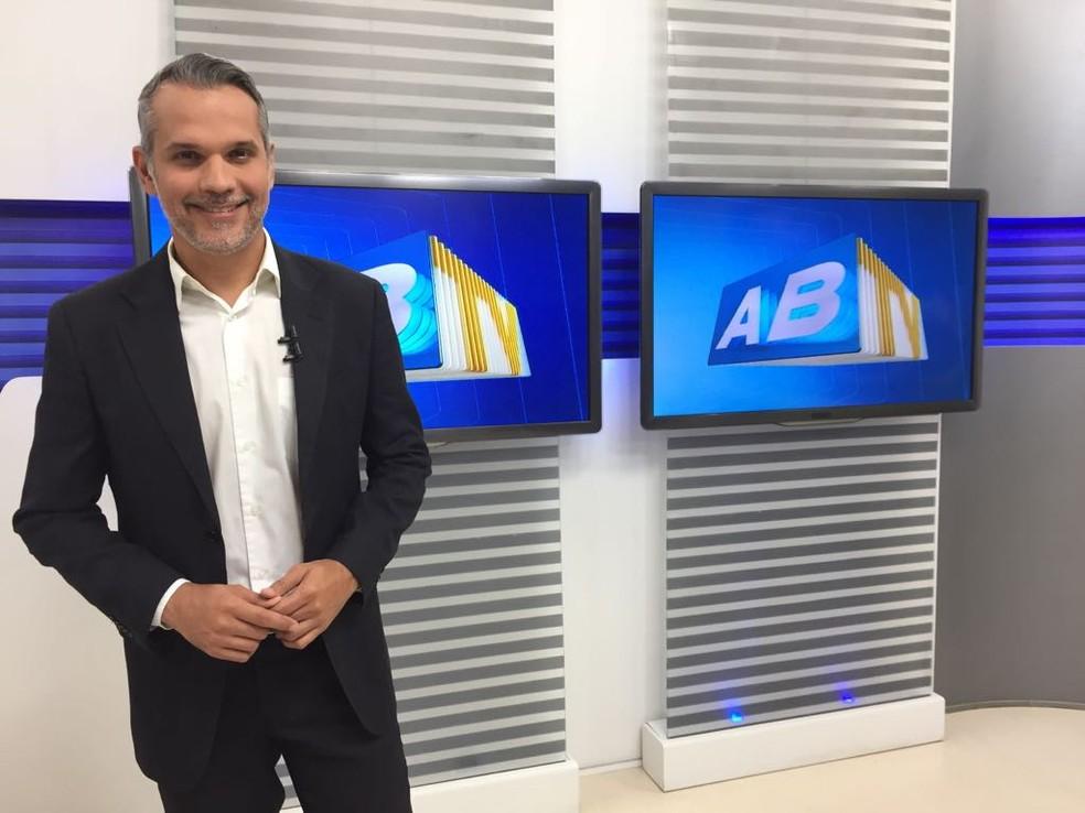 Alexandre Farias foi transferido de um hospital de Caruaru para um no Recife no dia 28 de setembro (Foto: Mavian Barbosa/G1)