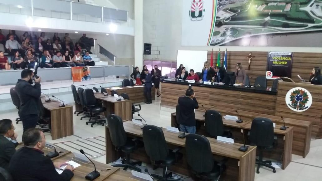 Vereadores de Macapá podem ser penalizados em R$ 400 por faltas nas sessões da Câmara - Notícias - Plantão Diário