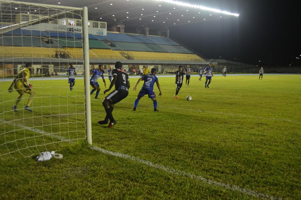 O Santos-AP vem de uma goleada por 8 a 1 na Série D (Foto: Rafael Moreira/GE-AP)