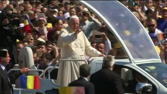 Papa pede desculpas aos ciganos por discriminação