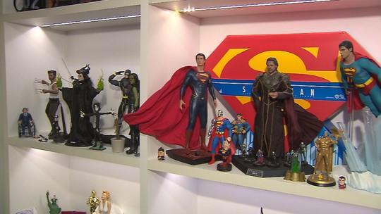 Dono de mais de 250 réplicas de personagens da cultura pop iniciou coleção após perder bonecos em 'faxina'