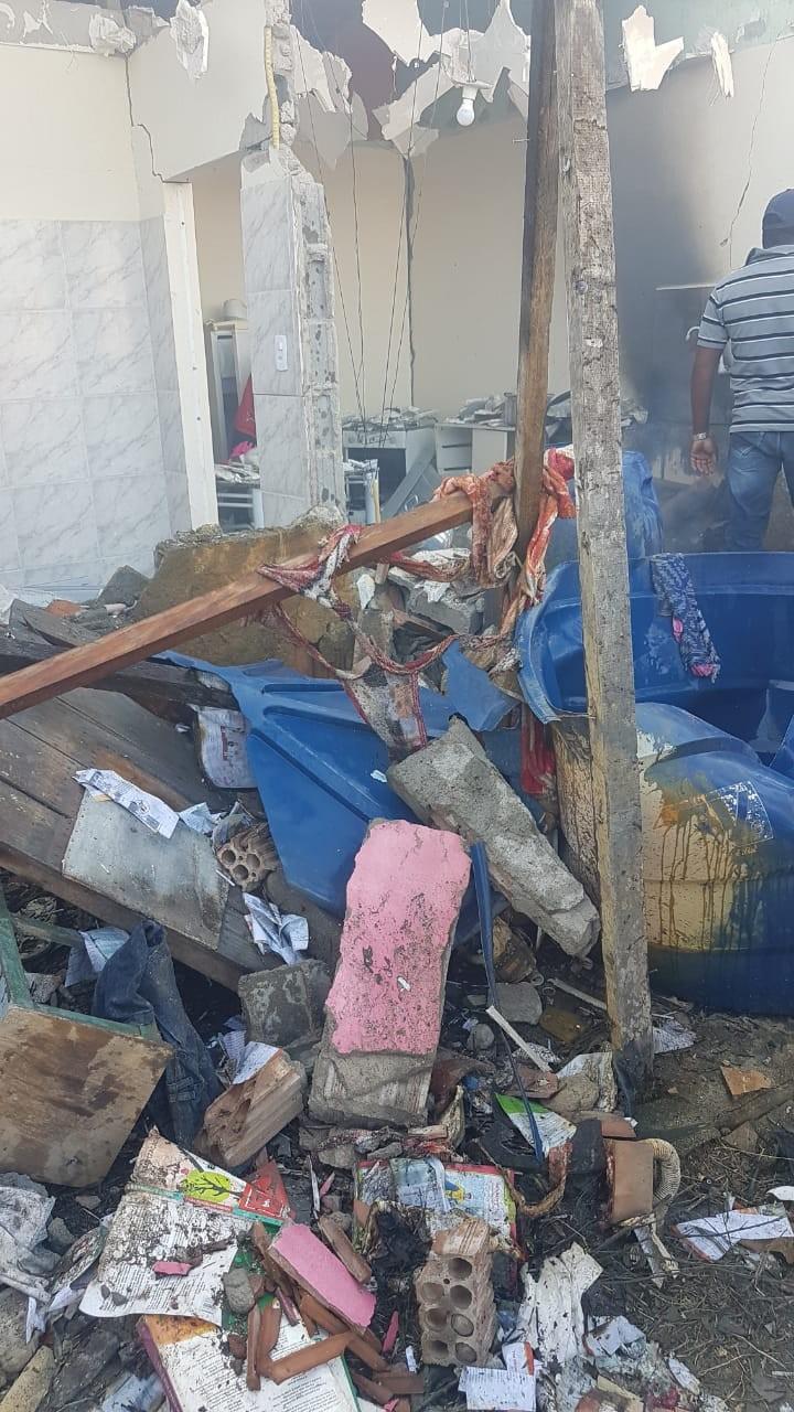 Homem tem 85% do corpo queimado após casa de fogos explodir em Águas Belas - Notícias - Plantão Diário