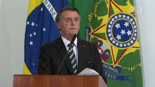 Bolsonaro diz que trabalho de embaixador é cartão de visitas e defende indicação do filho