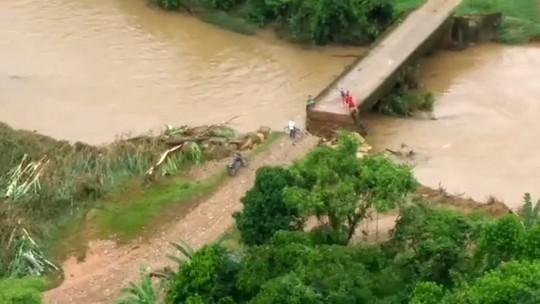 Temporal causa estragos em Guaraqueçaba e Paranaguá, no litoral do Paraná