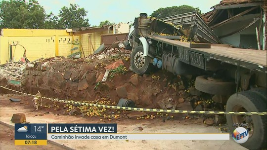 Caminhão desgovernado invade casa em Dumont, SP, e família contabiliza 7º acidente