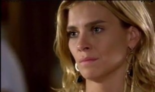 Na segunda-feira (25), Quinzé (Malvino Salvador) descobrirá que Teodora (Carolina Dieckmann) pretende brigar pela guarda do filho | TV Globo