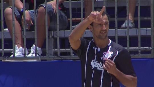 Os gols de Corinthians 4 x 3 Botafogo pelo Mundialito de Clubes de futebol de areia