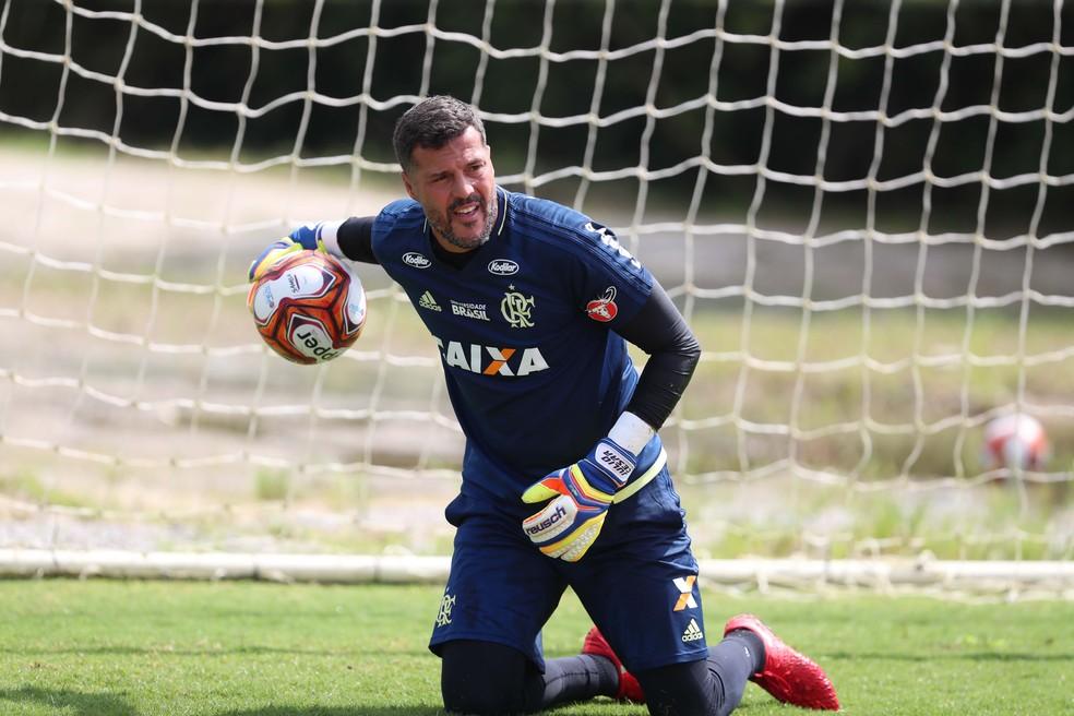 Julio Cesar, no treino desta segunda, no Flamengo (Foto: Gilvan de Souza / Flamengo)