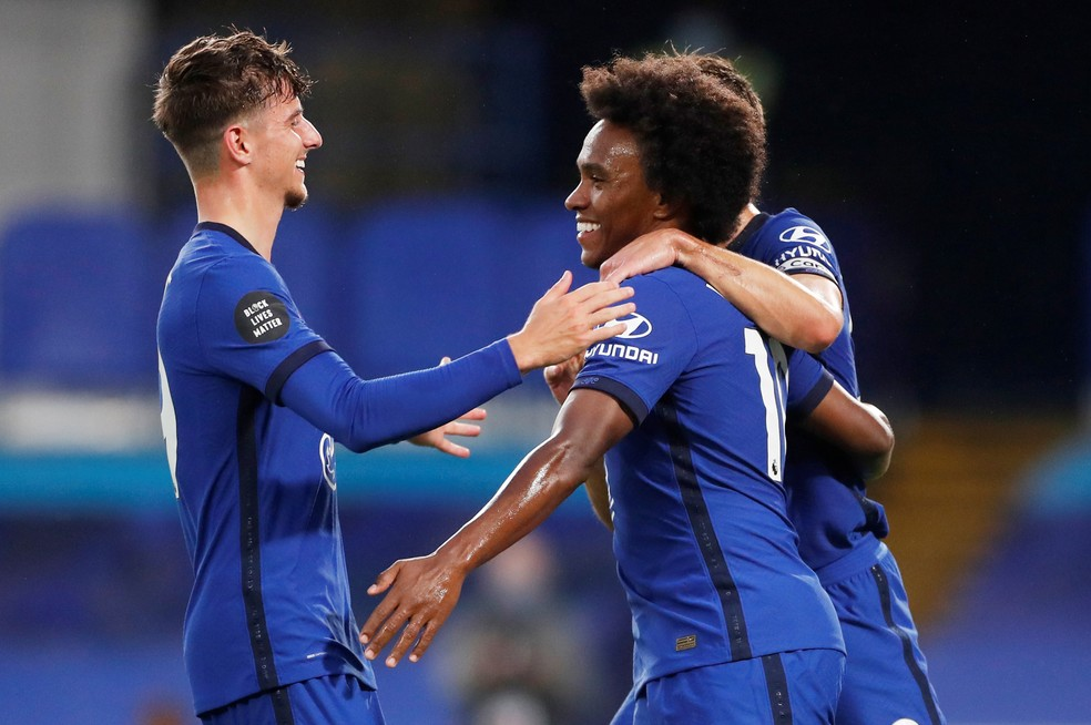 Willian tem 11 gols e oito assistências pelo Chelsea na temporada — Foto: Matthew Childs/Reuters