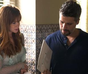 Marina Ruy Barbosa e Bruno Gagliasso numa cena de 'O Sétimo Guardião' | TV Globo