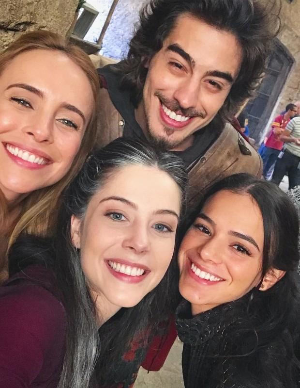 Fernanda Nobre, Bia Arantes, Vinicius Redd e Bruna Marquezine  (Foto: Reprodução/Instagram)
