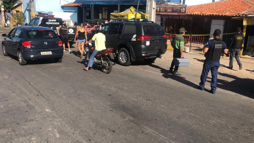Suspeita de matar moradora de rua é presa em Teresina — Foto: Edigar Neto/TV Clube