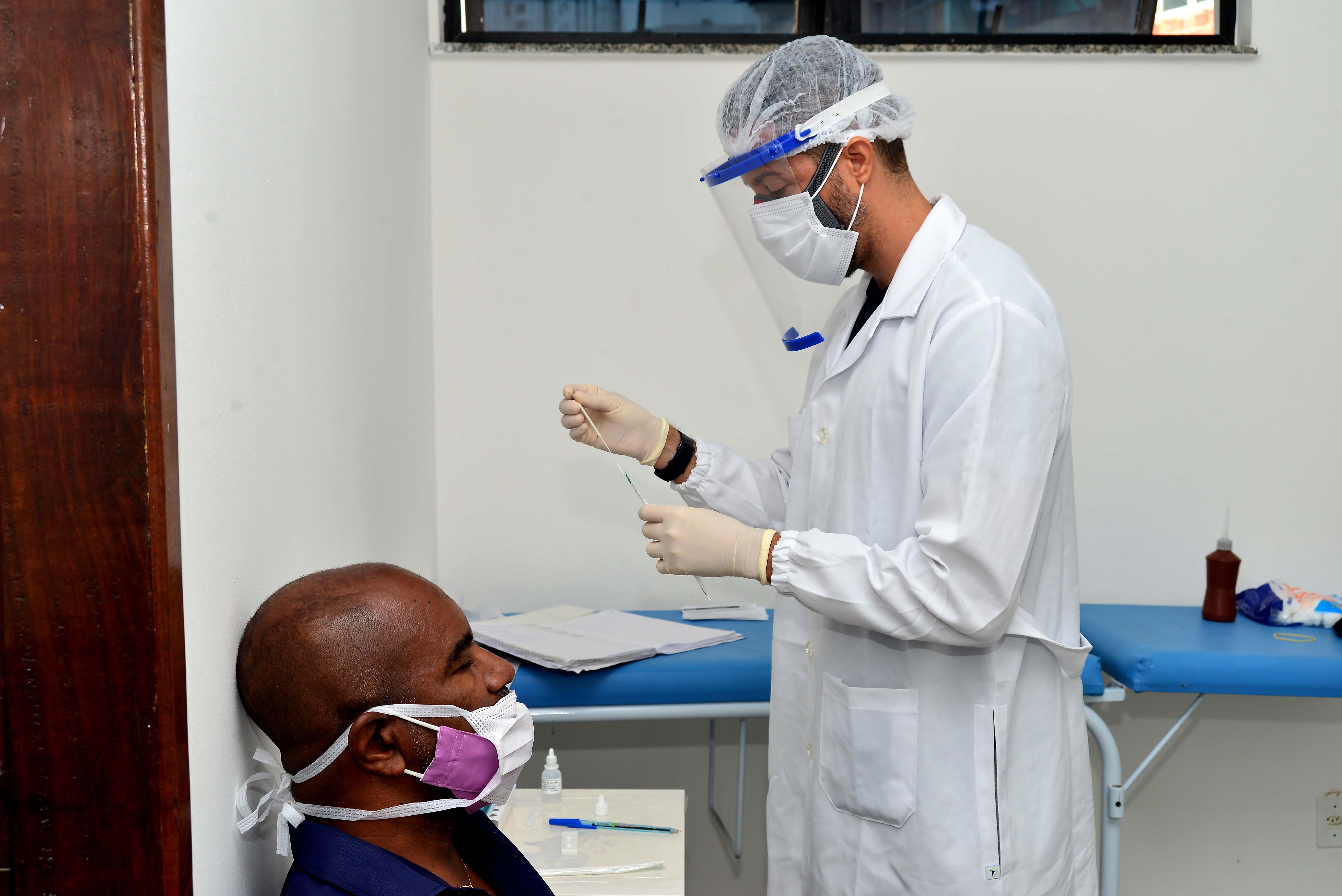 Bahia tem 1.906 novos casos de Covid-19 em 24h e registra mais 28 mortes