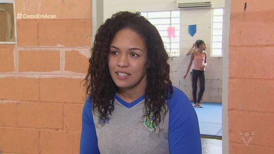 Aline Silva muda a vida de crianças e adolescentes com projeto social em Cubatão