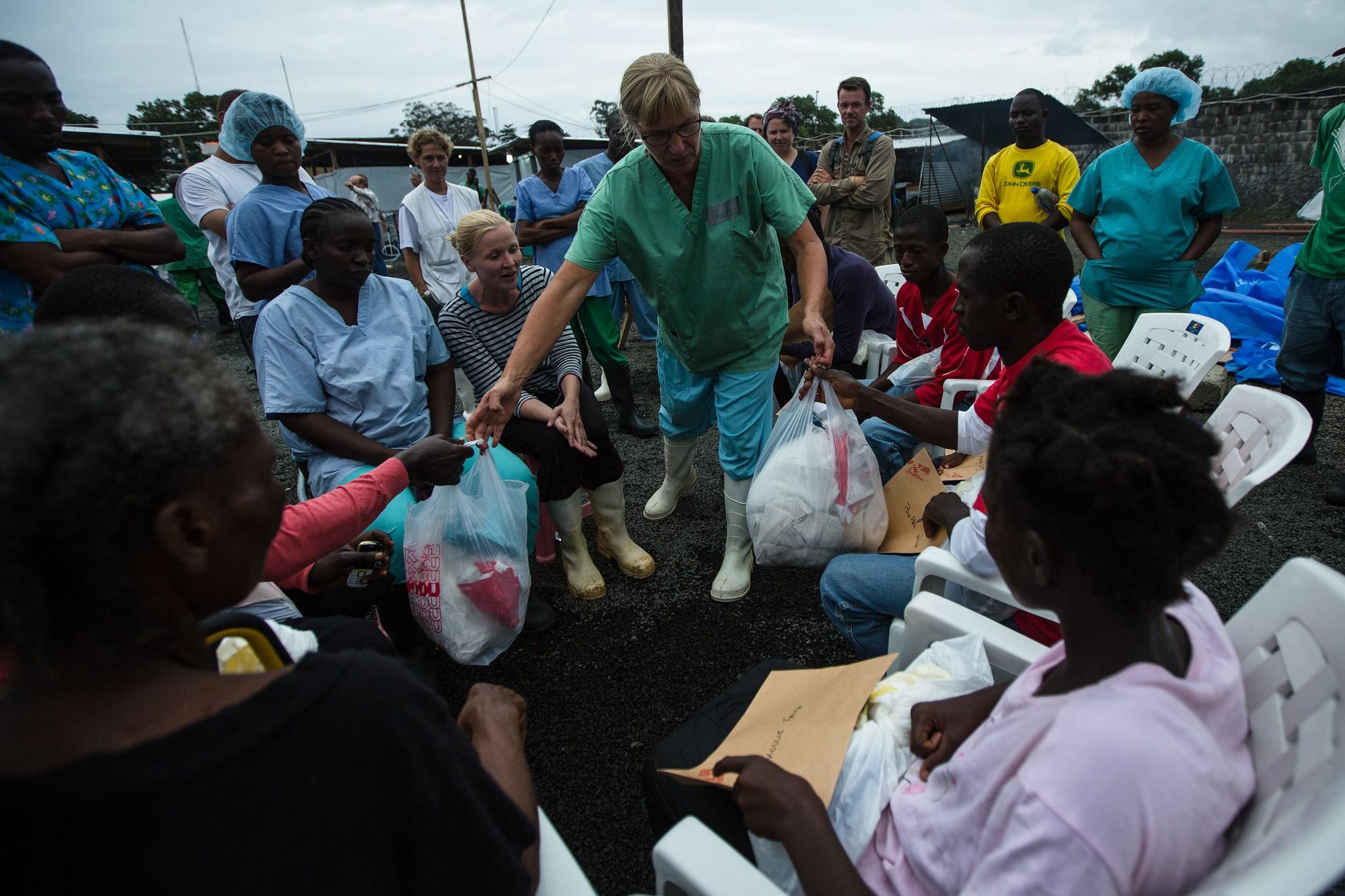 Atendimento dos Médicos Sem Fronteiras na Libéria (Foto: #ISurvived Ebola/Flickr/Creative Commons)