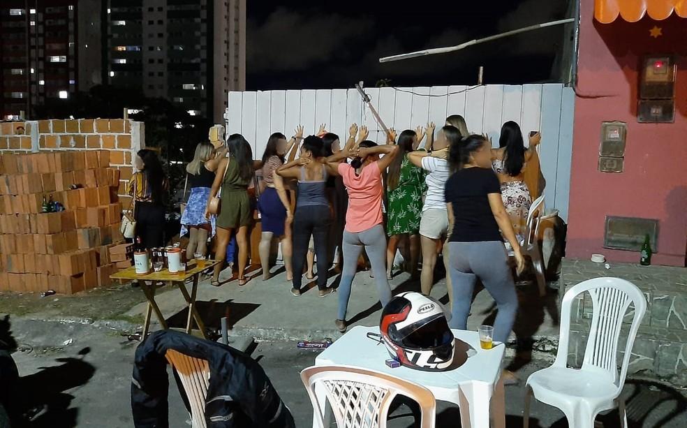 Fiscalização ocorreu na noite de sexta-feira (28) — Foto: Divulgação/Semop