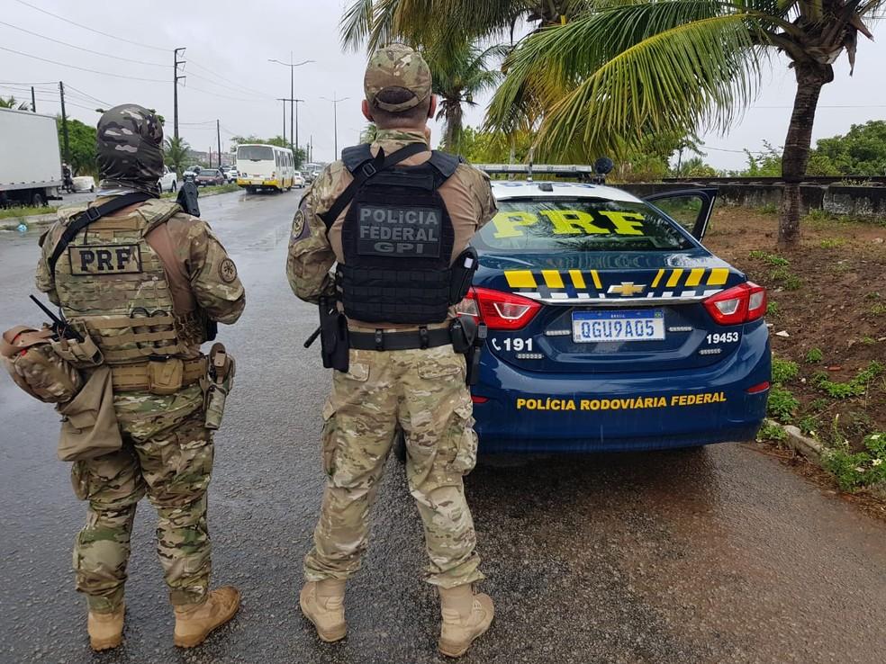 Policiais Rodoviários Federais durante deflagração da operação Concórdia na Grande Natal. — Foto: PF/Divulgação