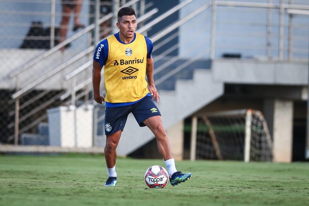 César Pinares deve ser um dos titulares de Renato no Gre-Nal deste sábado, na Arena — Foto: Lucas Uebel/Divulgação Grêmio