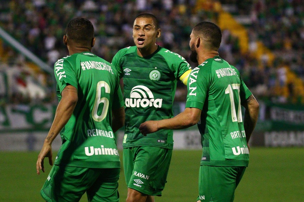 Wellington Paulista negocia a permanência, enquanto Reinaldo volta para o São Paulo e Arthur fica até 2021 (Foto: Estadão Conteúdo)