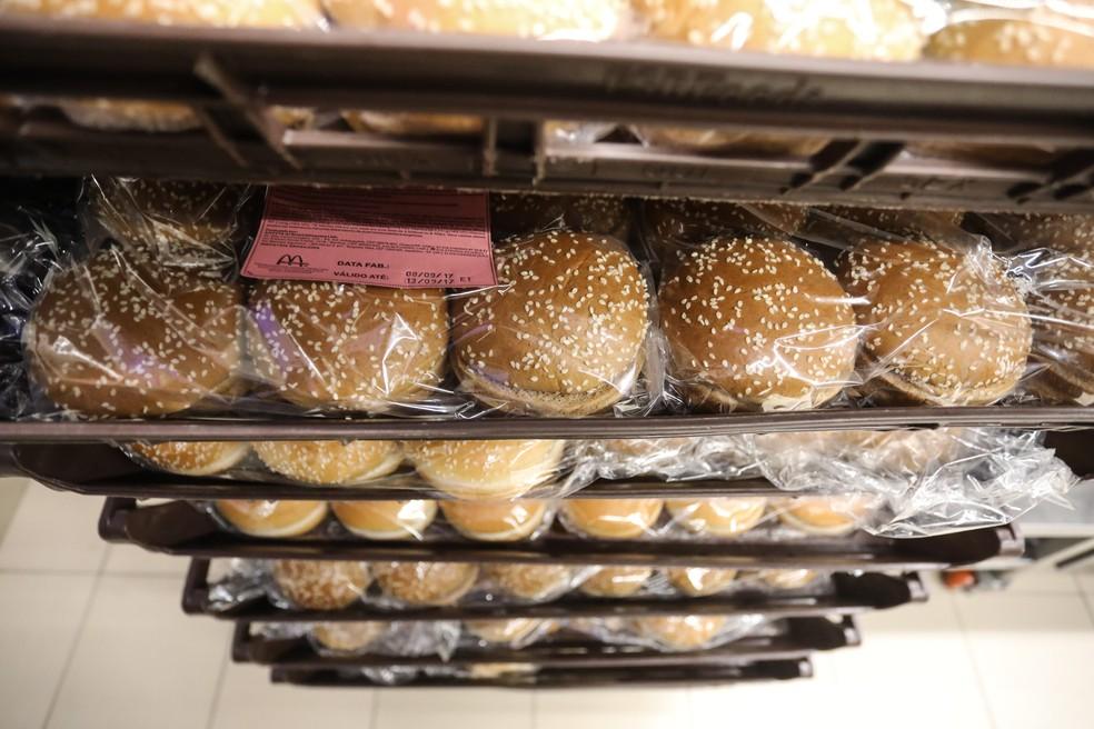Estoque de pão do McDonald's (Foto: Fábio Tito/G1)