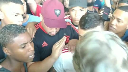"""Braz quer identificar intimidação da torcida e questiona protesto: """"Flamengo não está em inércia"""""""