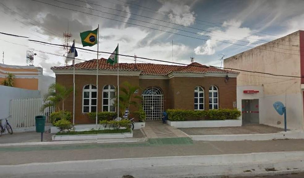 A determinação também suspendeu temporariamente as atividades dos mototaxistas no município. — Foto: Reprodução/Google Street View