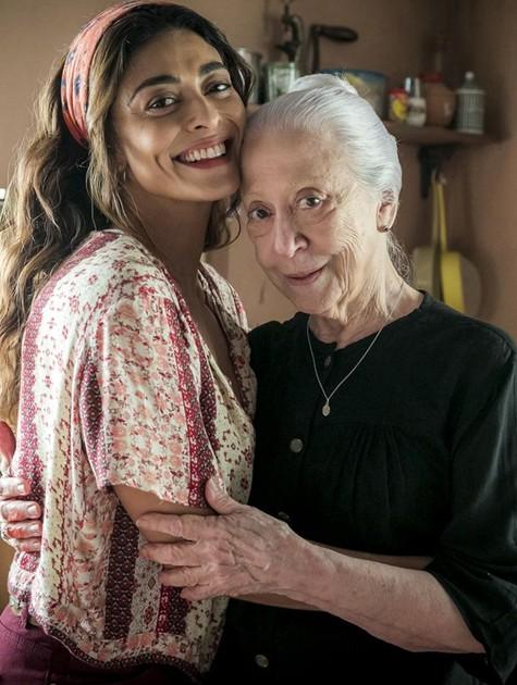 """Juliana Paes e Fernanda Montenegro nos bastidores de """"A dona do pedaço"""" (Foto: TV Globo/Raquel Cunha)"""