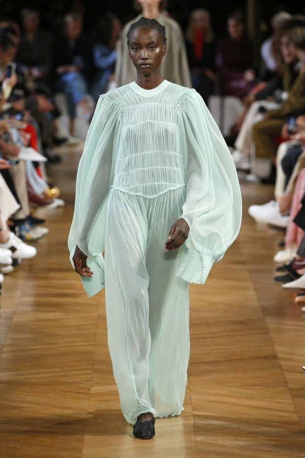 Stella McCartney verão 2019 (Foto: Getty Images)