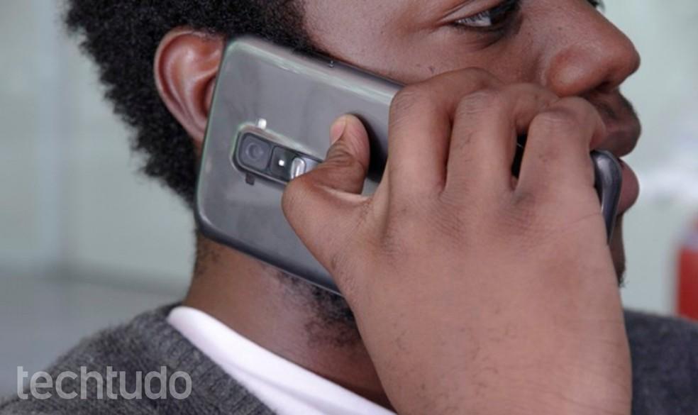 Chamadas de voz com operadoras se tornaram menos frequentes com o surgimento do WhatsApp — Foto: Luciana Maline/TechTudo