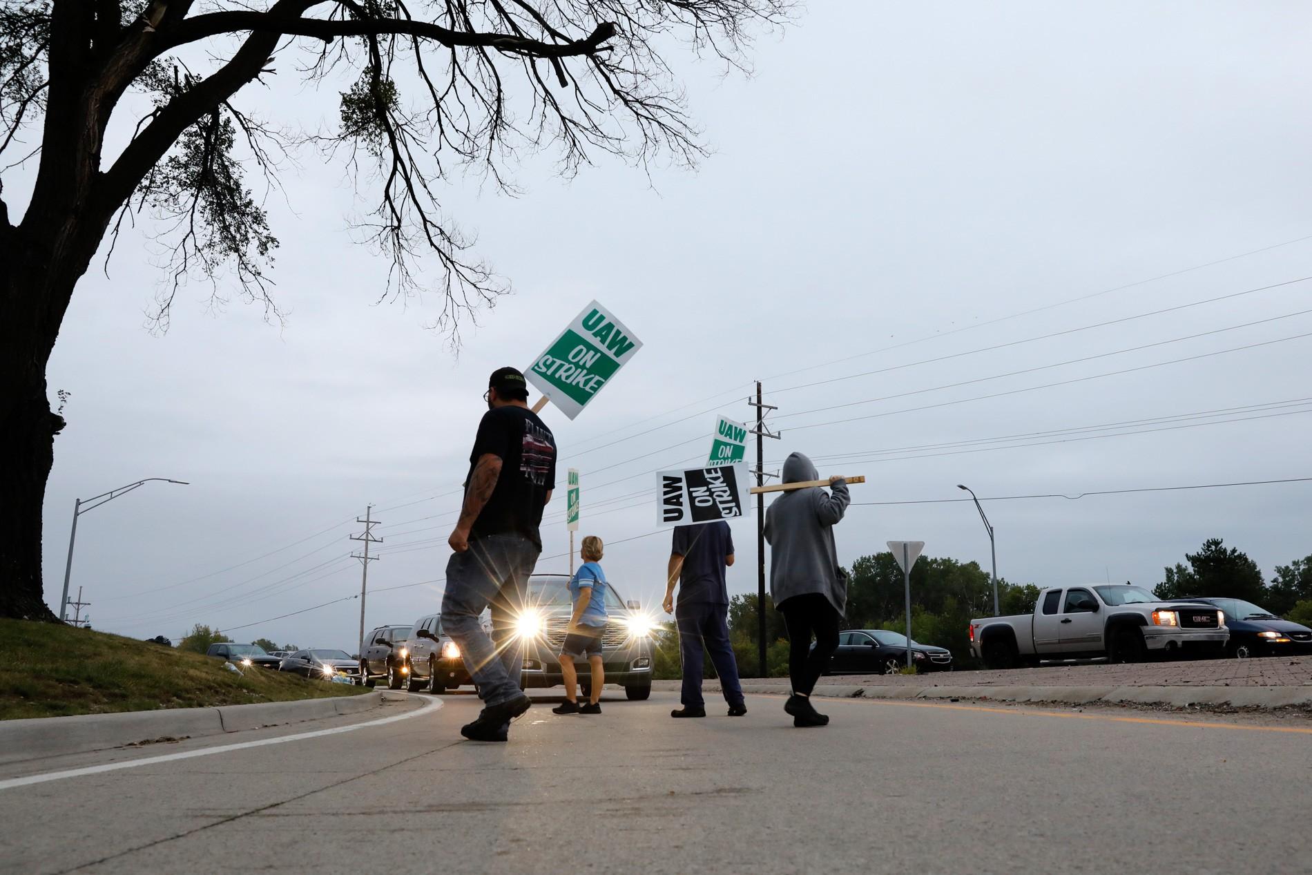 General Motors tem greve de 48 mil trabalhadores nos Estados Unidos - Notícias - Plantão Diário
