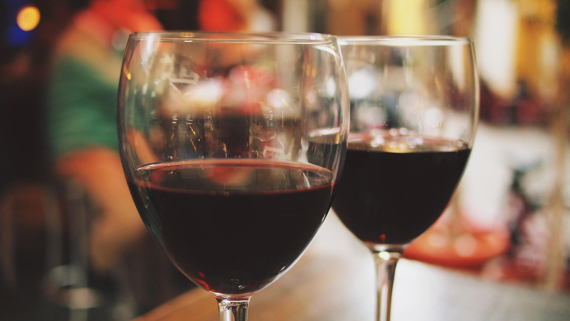 Pesquisa indica que filhos de alcoólatras têm mais chances de casar com pessoas com o mesmo distúrbio (Foto: Pixabay)