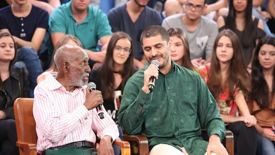 Criolo e Nelson Sargento cantam juntos no 'Altas Horas'; confira música exclusiva