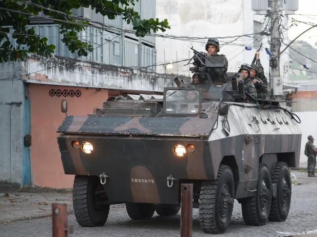 Exército vai dar continuidade ao processo de pacificação que começou no dia domingo (30).  (Foto: ERBS JR./Estadão Conteúdo)